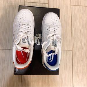 NIB Nike Air Force 1 lux vandalized bluered, 7 NWT